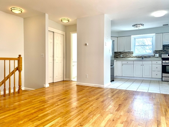 1 Bedroom, Maspeth Rental in NYC for $1,850 - Photo 1