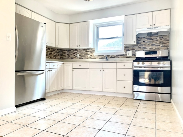 1 Bedroom, Maspeth Rental in NYC for $1,850 - Photo 2