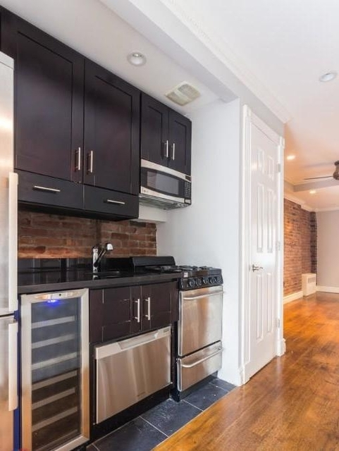 2 Bedrooms, East Village Rental in NYC for $4,219 - Photo 2