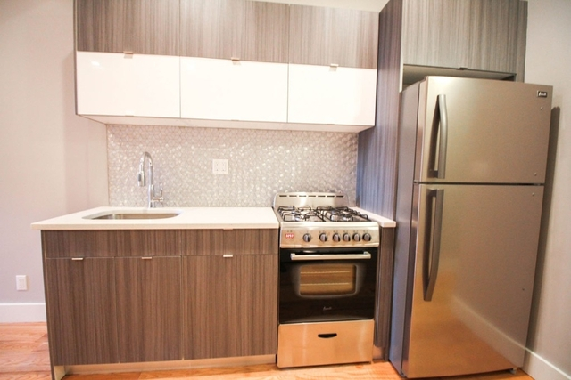 3 Bedrooms, Ridgewood Rental in NYC for $2,799 - Photo 2