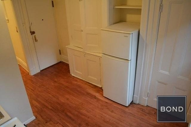 2 Bedrooms, Hell's Kitchen Rental in NYC for $2,388 - Photo 2