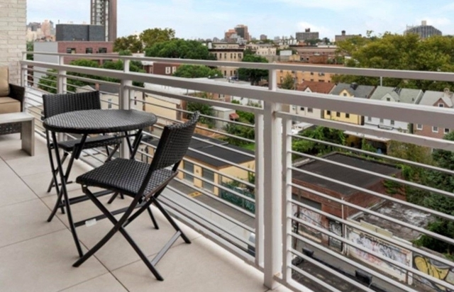 1 Bedroom, Astoria Rental in NYC for $2,975 - Photo 2