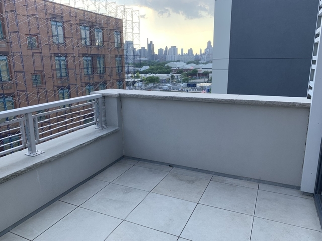 1 Bedroom, Astoria Rental in NYC for $2,975 - Photo 1