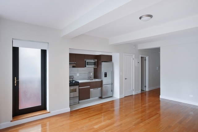 Studio, Sutton Place Rental in NYC for $3,025 - Photo 2
