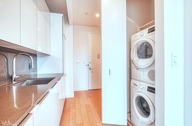 1 Bedroom, Financial District Rental in NYC for $3,538 - Photo 2