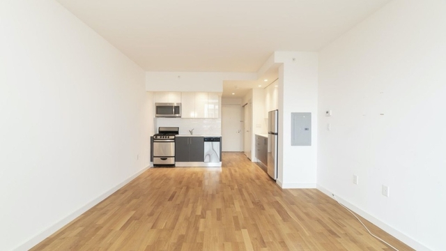 Studio, Astoria Rental in NYC for $2,100 - Photo 2