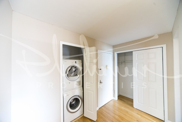 2 Bedrooms, Tribeca Rental in NYC for $5,862 - Photo 2