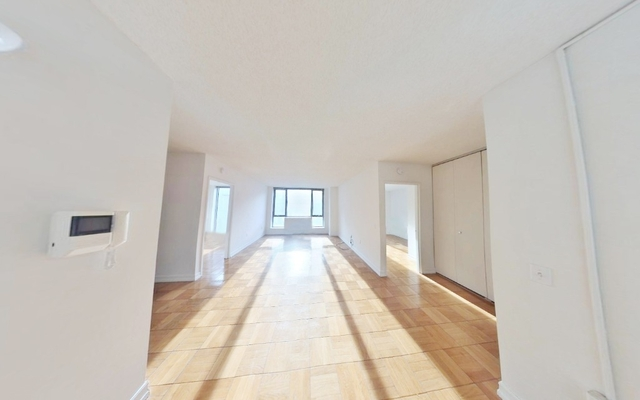 2 Bedrooms, Hell's Kitchen Rental in NYC for $3,919 - Photo 1
