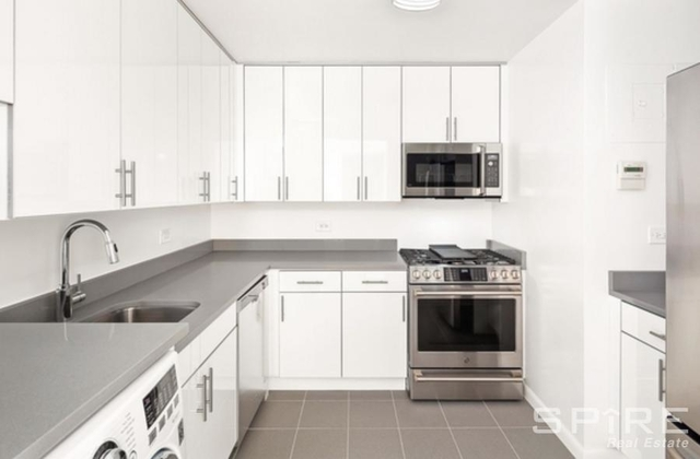 3 Bedrooms, Battery Park City Rental in NYC for $7,167 - Photo 1