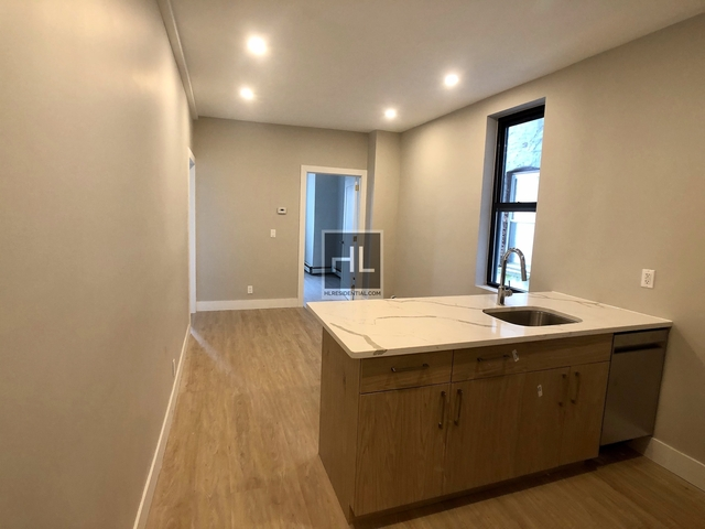 4 Bedrooms, Bedford-Stuyvesant Rental in NYC for $3,941 - Photo 2
