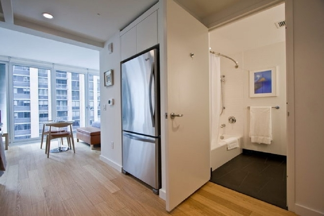 Studio, Lincoln Square Rental in NYC for $3,139 - Photo 2
