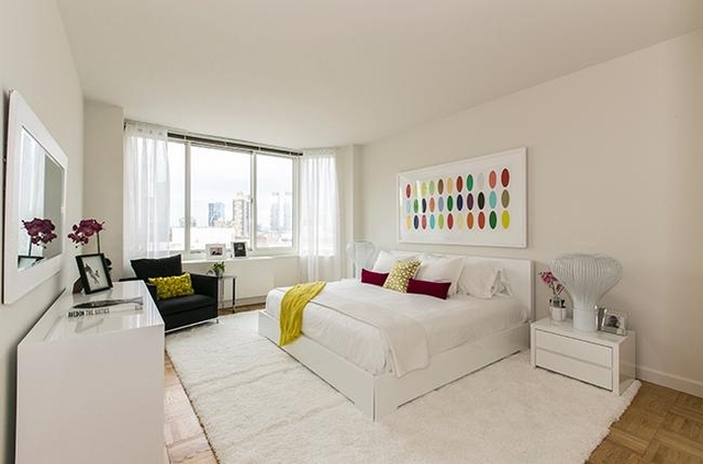 1 Bedroom, Lincoln Square Rental in NYC for $4,163 - Photo 2
