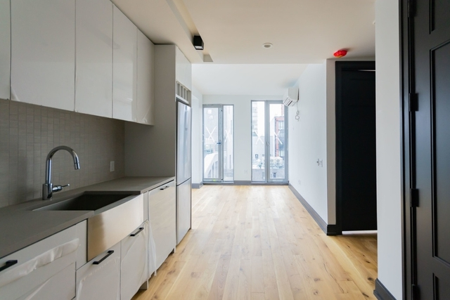 Studio, Long Island City Rental in NYC for $2,590 - Photo 1