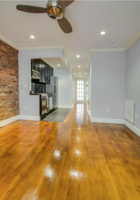2 Bedrooms, Hell's Kitchen Rental in NYC for $3,660 - Photo 2