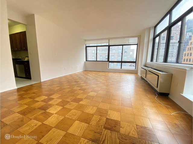 3 Bedrooms, Turtle Bay Rental in NYC for $6,750 - Photo 2