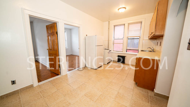2 Bedrooms, Ditmars Rental in NYC for $1,900 - Photo 2