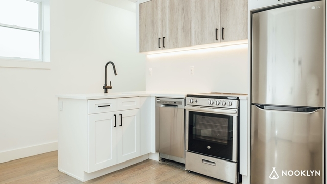 3 Bedrooms, Flatbush Rental in NYC for $3,040 - Photo 2