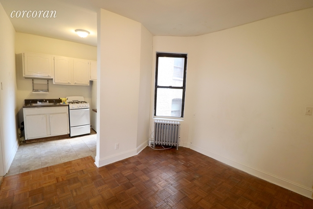 3 Bedrooms, Gramercy Park Rental in NYC for $4,175 - Photo 2