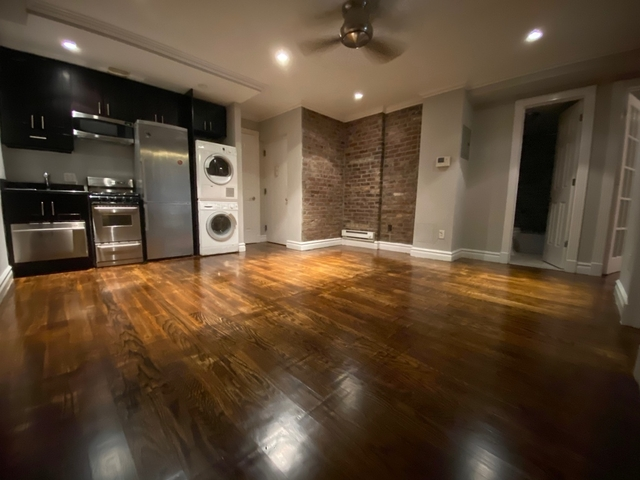 3 Bedrooms, West Village Rental in NYC for $5,495 - Photo 2