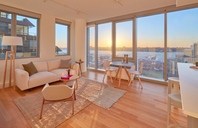 2 Bedrooms, Hell's Kitchen Rental in NYC for $4,335 - Photo 1