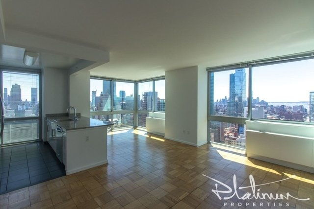 2 Bedrooms, Hell's Kitchen Rental in NYC for $5,404 - Photo 1