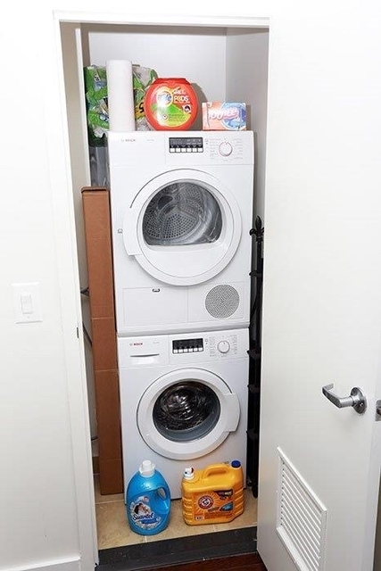 2 Bedrooms, Long Island City Rental in NYC for $4,520 - Photo 2