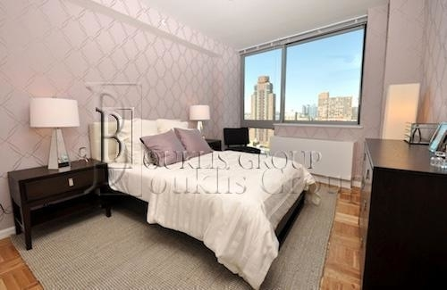 2 Bedrooms, Hell's Kitchen Rental in NYC for $5,410 - Photo 2