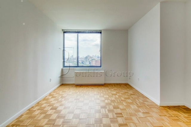 3 Bedrooms, Battery Park City Rental in NYC for $6,735 - Photo 2