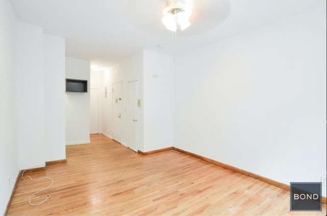 Studio, Hell's Kitchen Rental in NYC for $1,834 - Photo 2