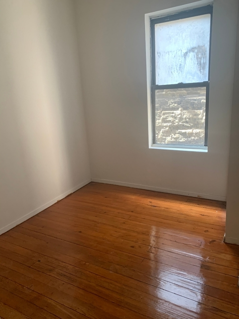 3 Bedrooms, Gramercy Park Rental in NYC for $3,025 - Photo 2
