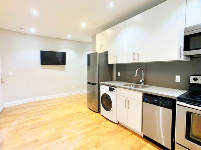 2 Bedrooms, Hudson Heights Rental in NYC for $2,675 - Photo 2