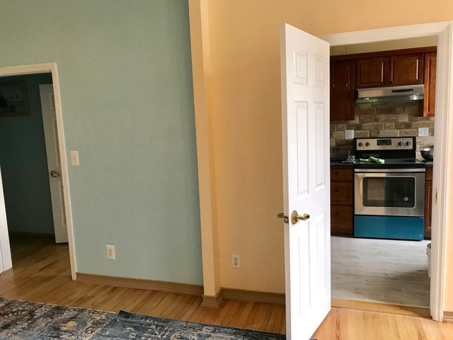 1 Bedroom, Greenpoint Rental in NYC for $2,400 - Photo 2