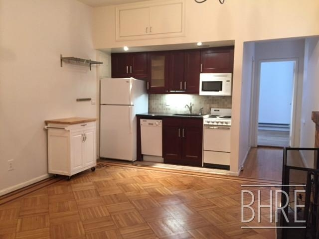2 Bedrooms, Cobble Hill Rental in NYC for $2,995 - Photo 2