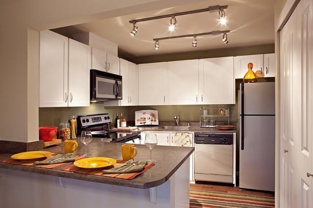 1 Bedroom, Southeast Bellevue Rental in Seattle, WA for $1,425 - Photo 1