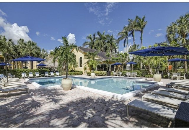 2 Bedrooms, Plantation Colony Rental in Miami, FL for $1,593 - Photo 2
