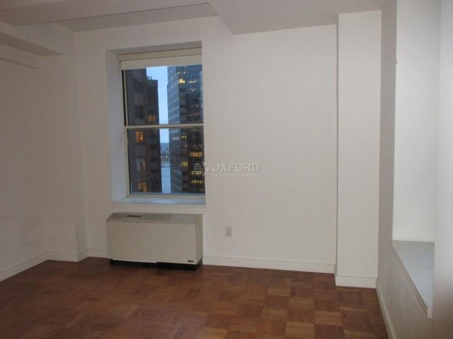 Room, Financial District Rental in NYC for $1,549 - Photo 2
