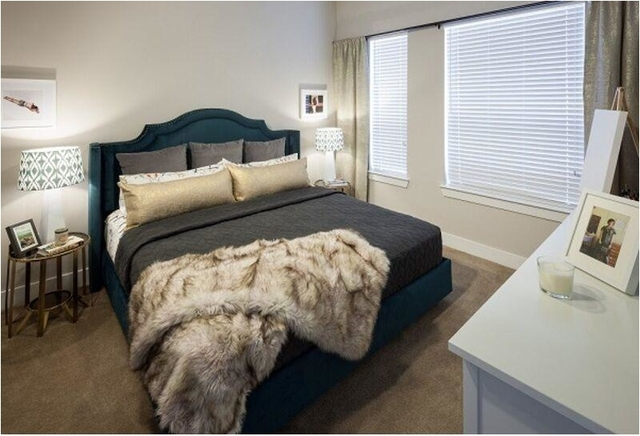 1 Bedroom, Roseland Rental in Dallas for $1,068 - Photo 2