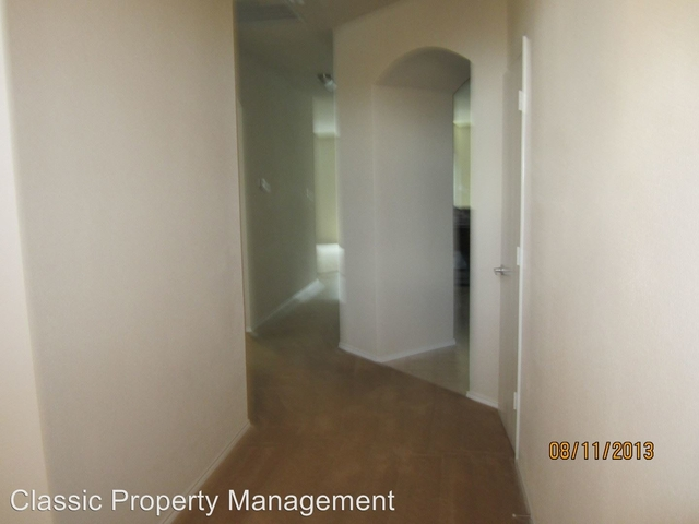 3 Bedrooms, Blake Meadows Rental in Dallas for $1,695 - Photo 2