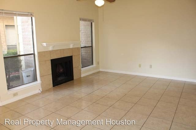 2 Bedrooms, Sherbrooke Square Townhome Condominiums Rental in Houston for $1,000 - Photo 1