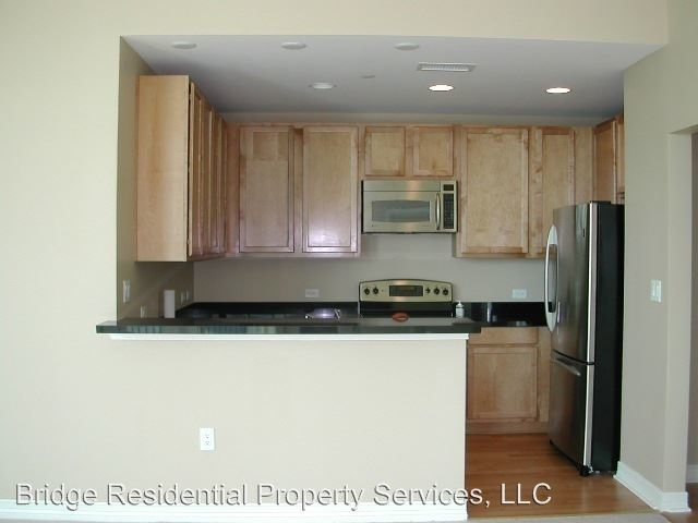 2 Bedrooms, Downtown Fort Worth Rental in Dallas for $2,695 - Photo 2