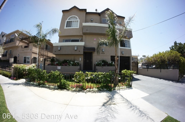 2 Bedrooms, NoHo Arts District Rental in Los Angeles, CA for $2,195 - Photo 1