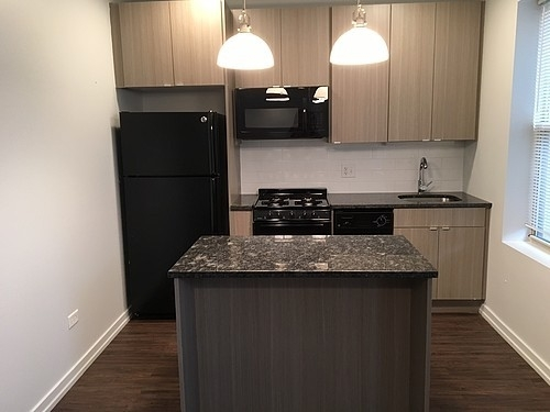 2BR at 5051 N Kenmore Ave - Photo 4