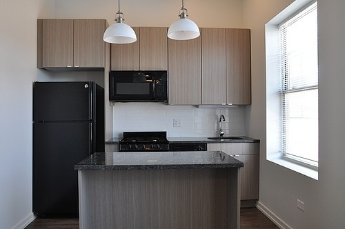 2BR at 5051 N Kenmore Ave - Photo 9