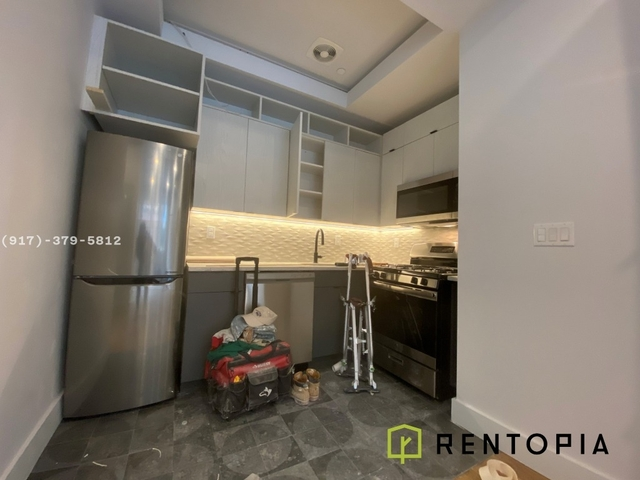 3 Bedrooms, Williamsburg Rental in NYC for $5,250 - Photo 2