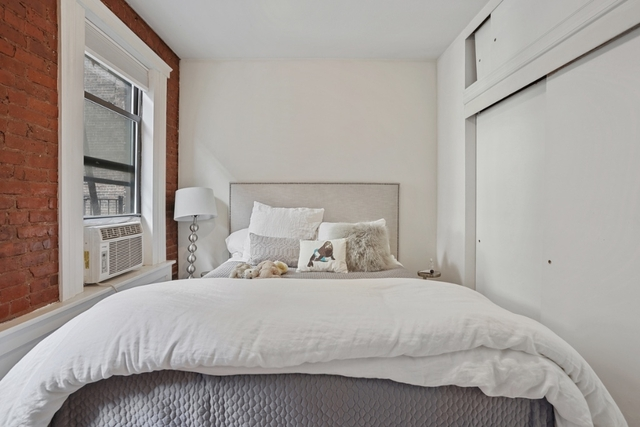 1 Bedroom, West Village Rental in NYC for $2,800 - Photo 2