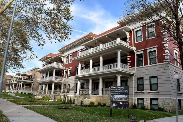 3 Bedrooms, Broadway Gillham Rental in Kansas City, MO-KS for $1,685 - Photo 2