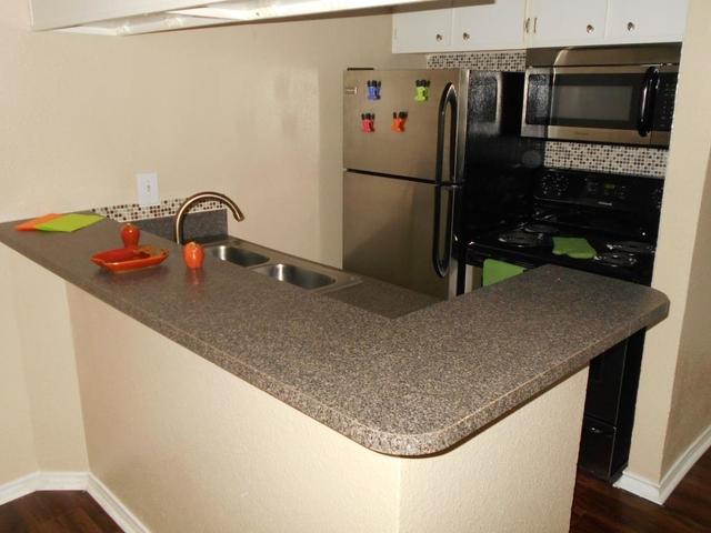 1 Bedroom, Old East Dallas Rental in Dallas for $699 - Photo 2