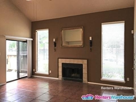 2 Bedrooms, Cambridge Glen Condominiums Rental in Houston for $1,275 - Photo 2