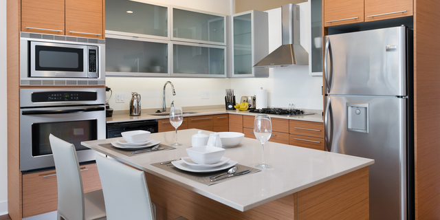 2 Bedrooms, Near West Side Rental in Chicago, IL for $3,575 - Photo 2