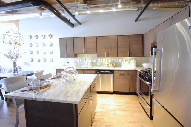 1 Bedroom, Streeterville Rental in Chicago, IL for $3,508 - Photo 2